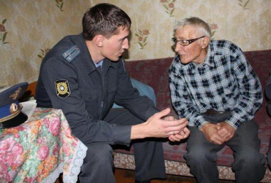 ВБрянске лжесоцработник похитил устариков 110 тыс. руб.
