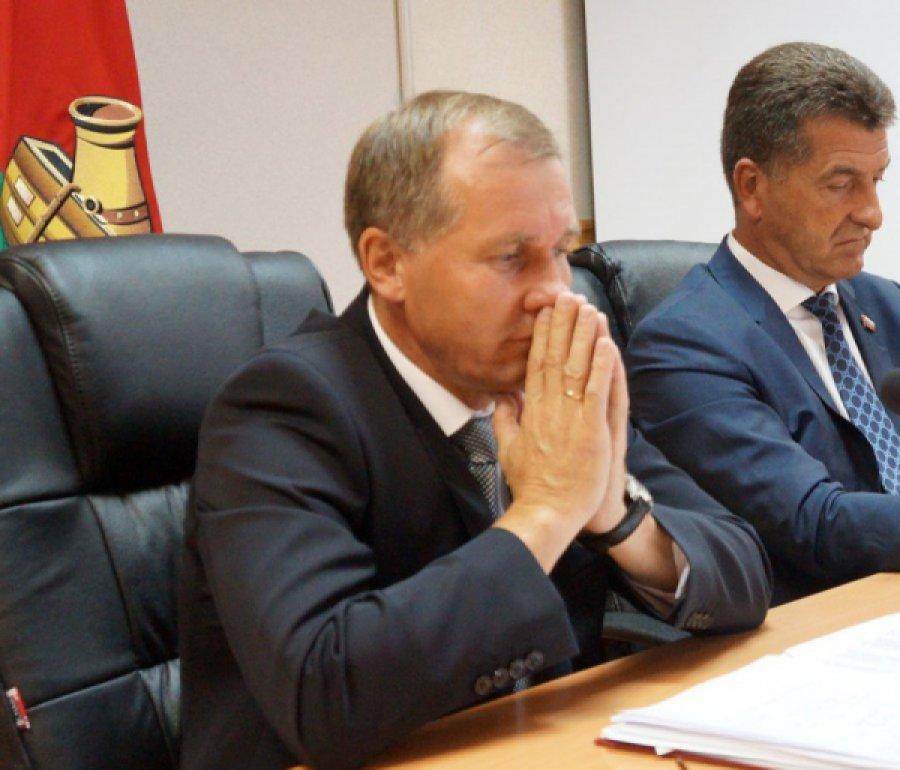 Руководитель администрации Брянска заработал загод 2,4 млн руб.