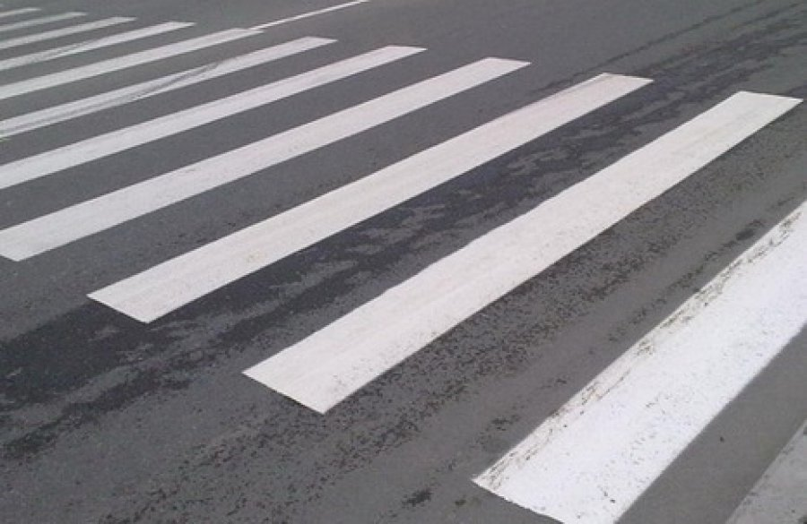 ВБрянске шофёр Яндекс.Такси сбил пешехода напереходе