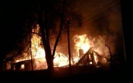 В Брянске из-за пожара две семьи остались без дома