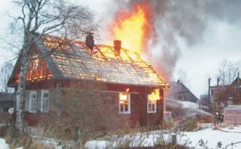 В Брасово сгорел дом