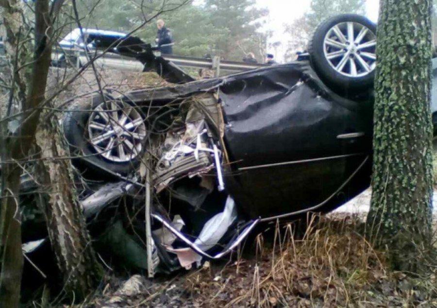 Под Навлей в жутком ДТП с легковушками погибли две девушки