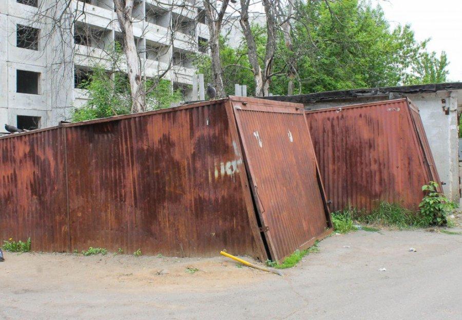 Гражданин Брянска похитил исдал наметаллолом гараж соседки
