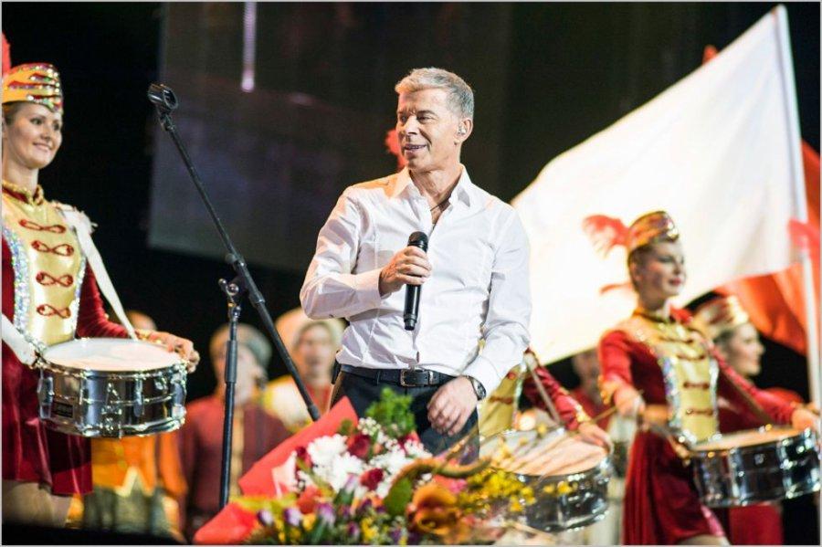 Олег Газманов и эстрадная певица Айрэн выступили для брянцев вДень города