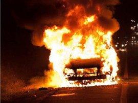 В Дубровском районе на улице вспыхнул автомобиль