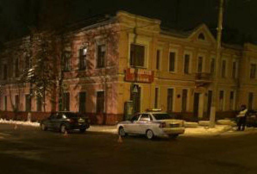 Иностранная машина Форд сбила молодую девушку наулице Ульянова вБрянске