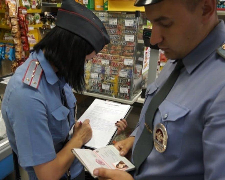 Брянские полицейские провели антиалкогольный рейд в магазинах Бежицы