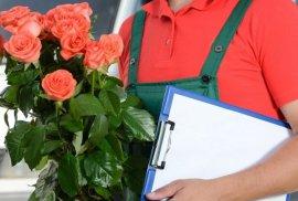 Брянского бизнесмена наказали за доставку цветов на дом