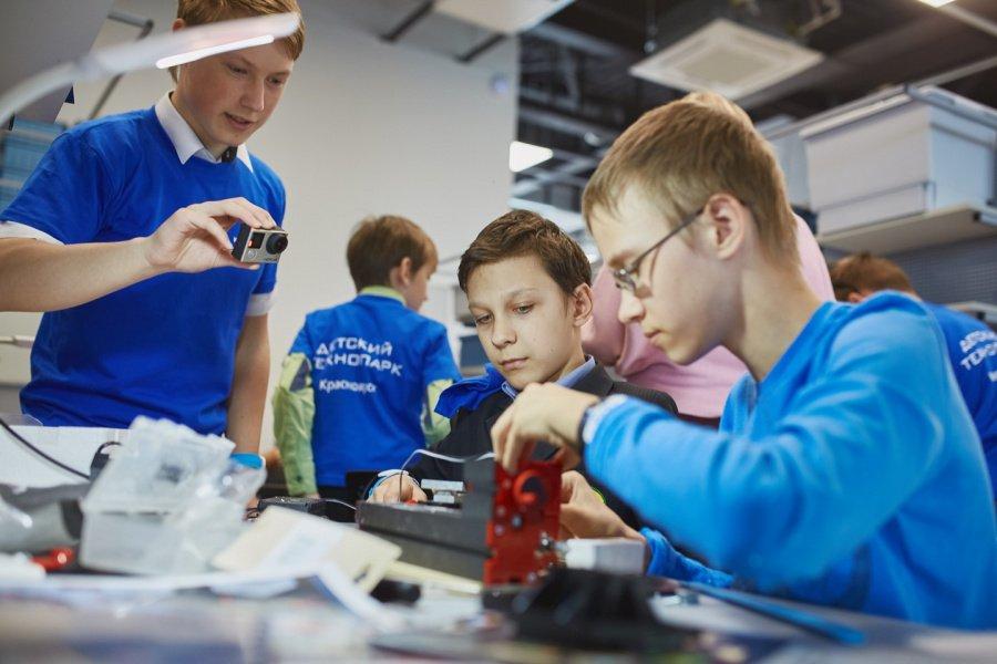 Брянские депутаты размечтались о создании детского технопарка