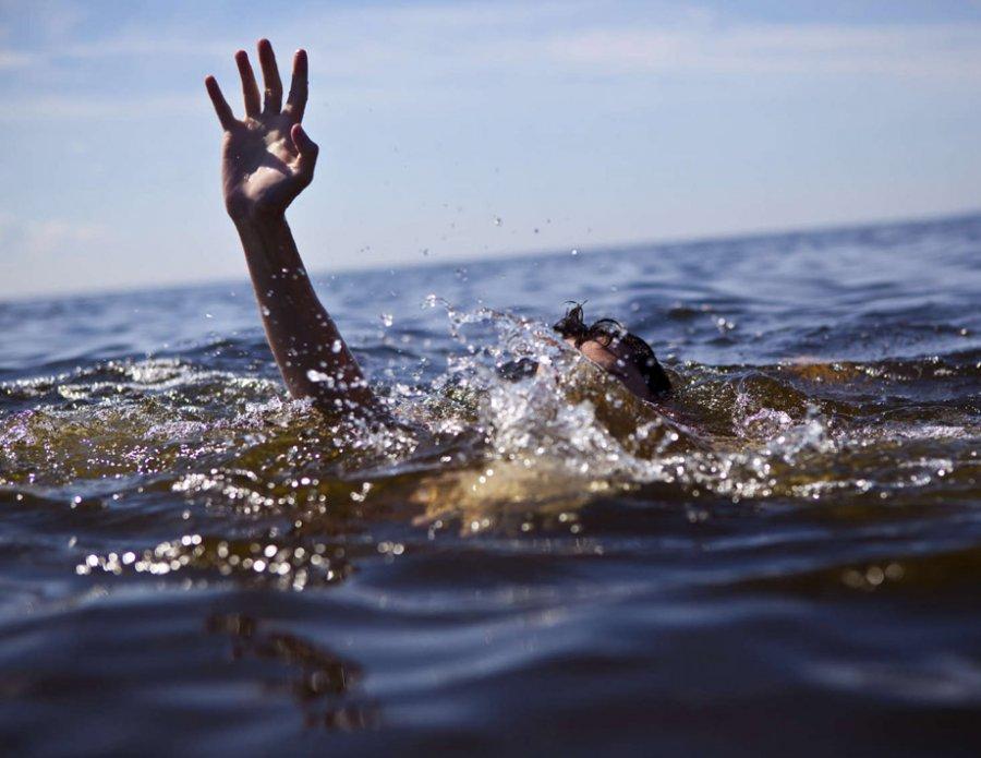 ВБрянске изДесны вытянули труп 26-летнего мужчины