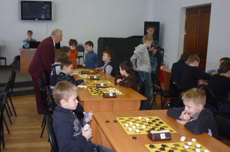 Юные брянские шашисты привезли шесть медалей с первенства ЦФО