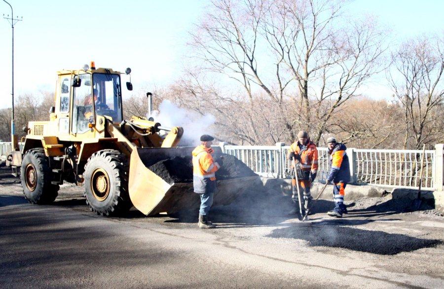 Ямочный ремонт дорог продолжается втрёх районах Брянска