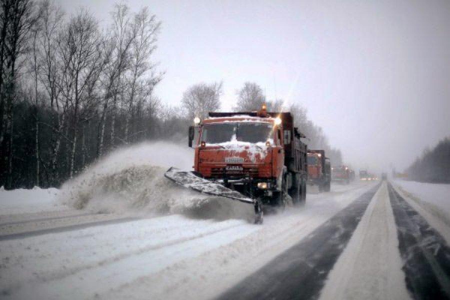 ВБрянской области набитву соснегом вышли 370 единиц техники