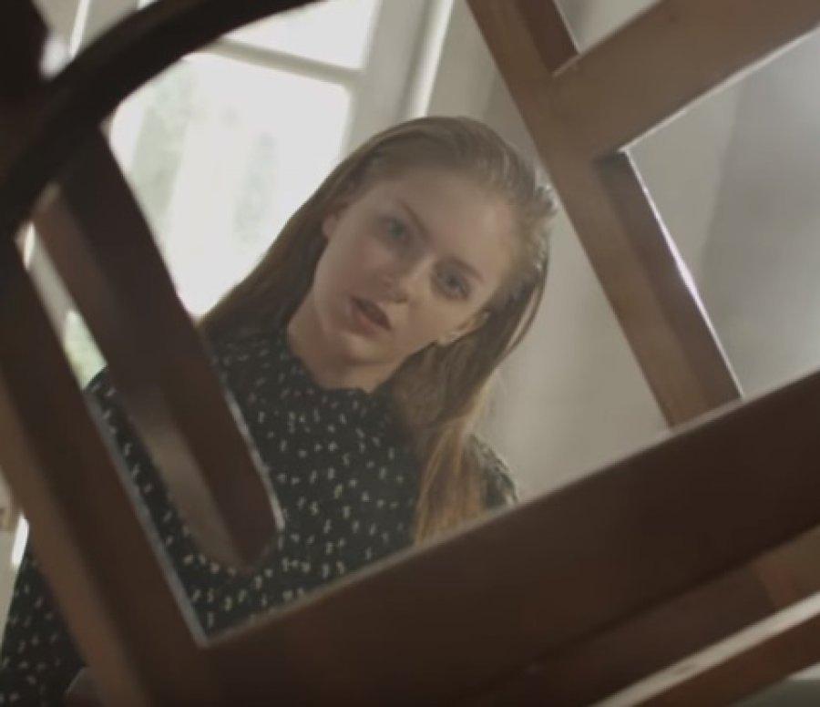 Неменее млн. человек поглядели клип 15-летней Евы изБрянска