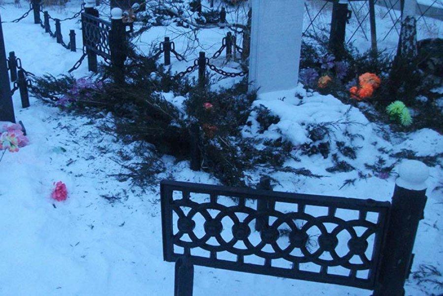 Гражданин Почепа похитил могильную ограду исдал наметалл