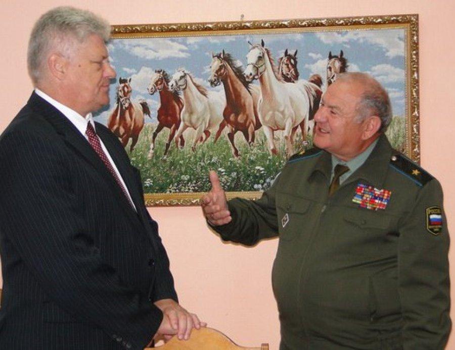Брянец Гутерман вформе генерала оказался майором