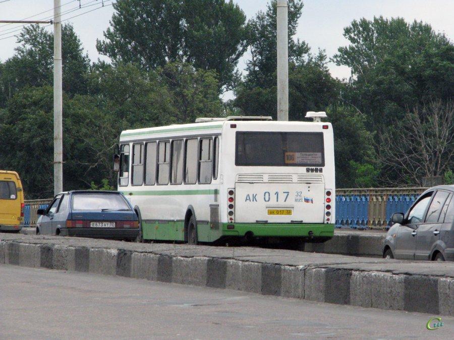 12-летняя брянская школьница пострадала вавтобусе №106
