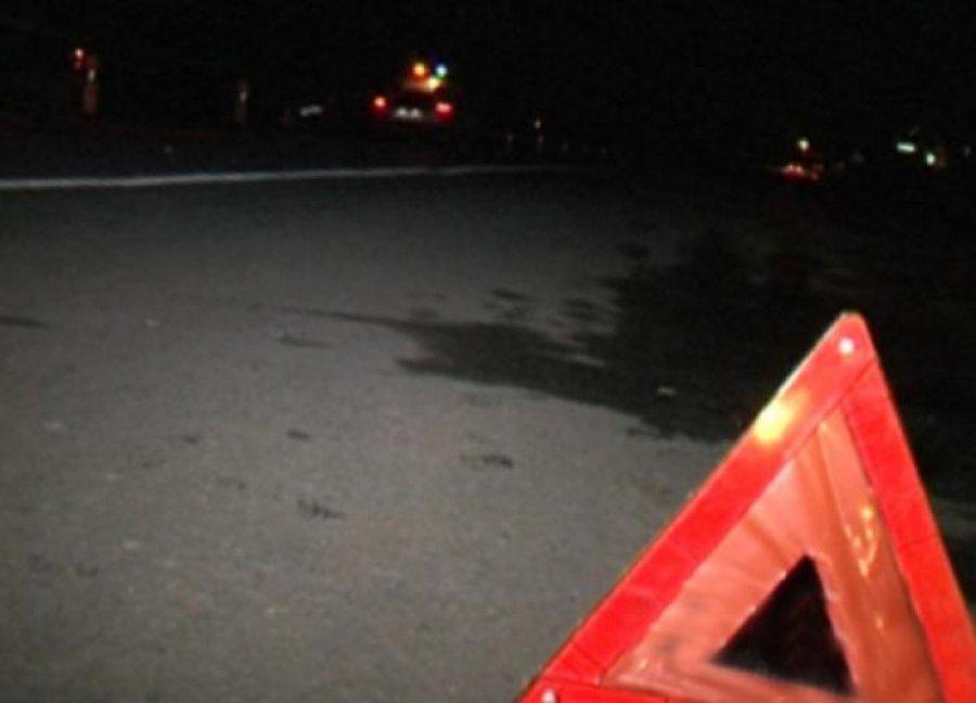 В Брянске пенсионер на джипе снес столб: ранены две женщины