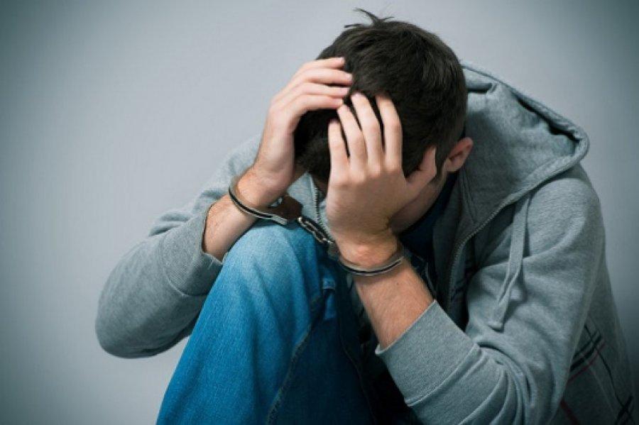 ВБрянске 16-летний ребенок ночью ограбил женщину