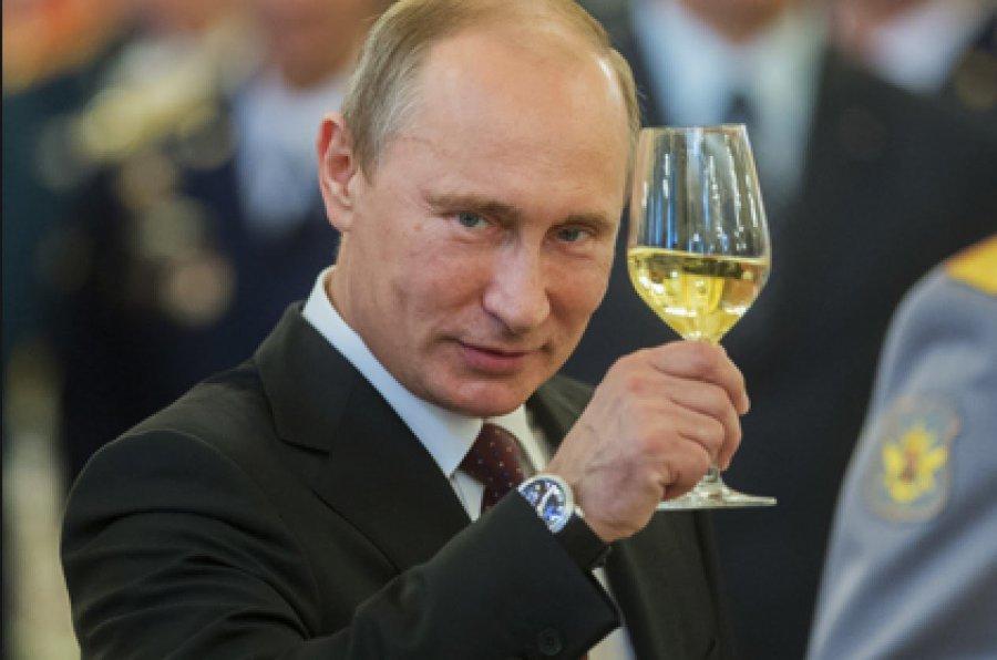 Кначалу весны 187 брянских долгожителей поздравит Путин