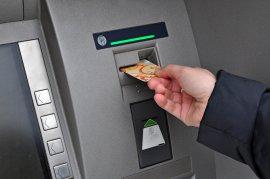 Под Брянском вор нашел сумку с банковской картой и снял 26 тыс. руб.