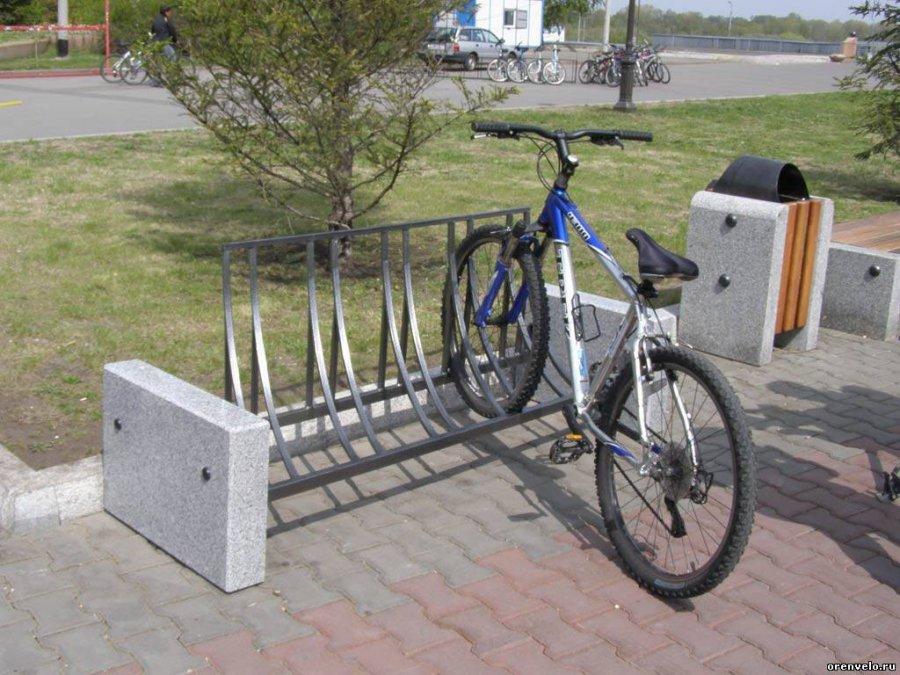 Гражданин Бежицкого района похитил оставленный около магазина велосипед