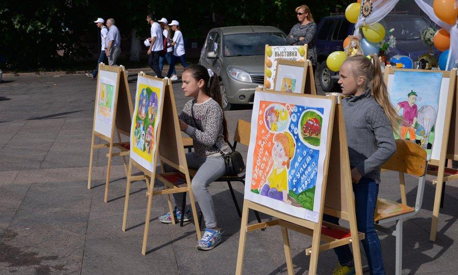 Нафестивале «Вместе ярче» брянцы подписали петицию обережном отношении кэнергии