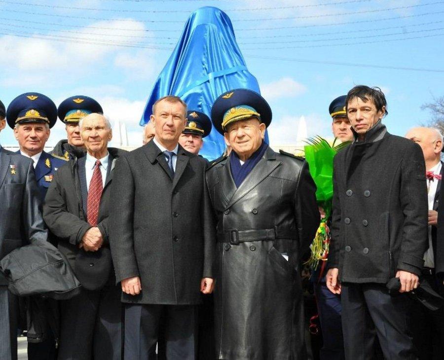 ВБрянске задолги могут арестовать монумент Гагарину