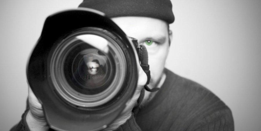 ВБежице мужчина похитил узнакомой фотоаппарат иденьги