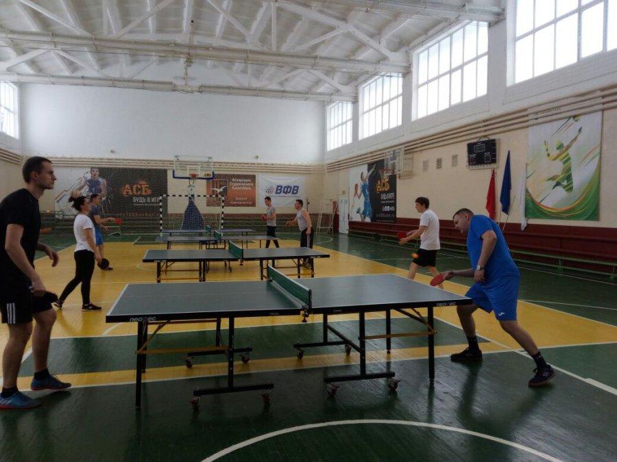 Работники брянской прокуратуры провели состязания понастольному теннису