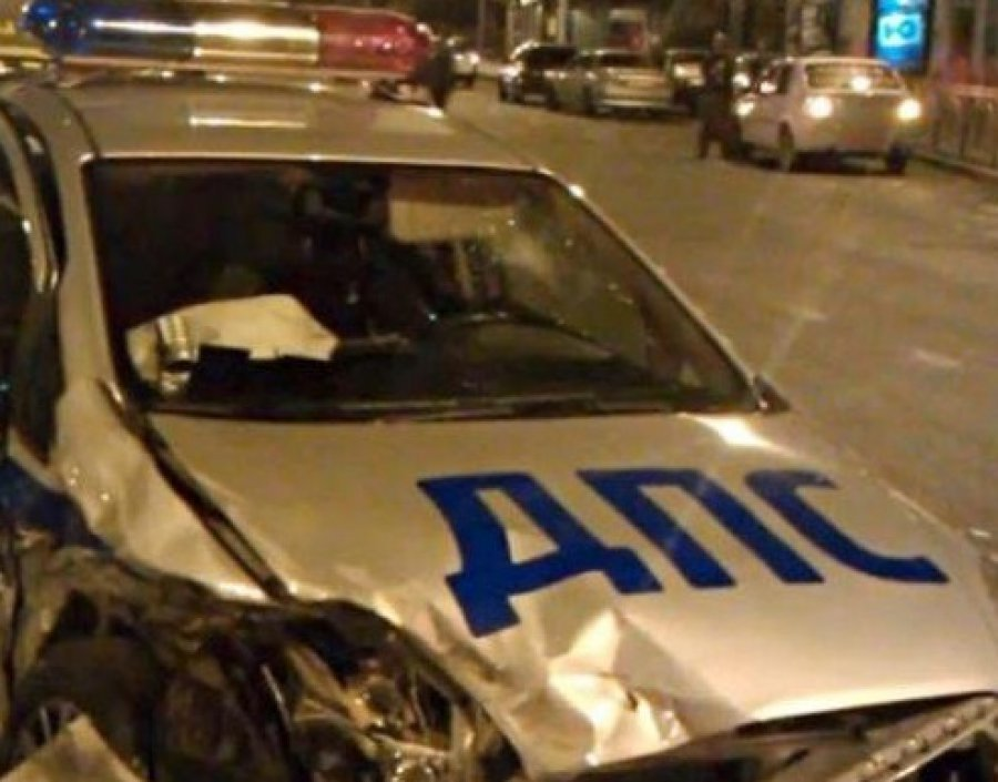Тягач протаранил полицейскую машину под Унечей
