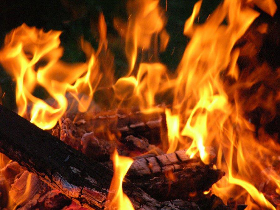 Наулице Шолохова Брянске шесть человек эвакуировали из-за пожара