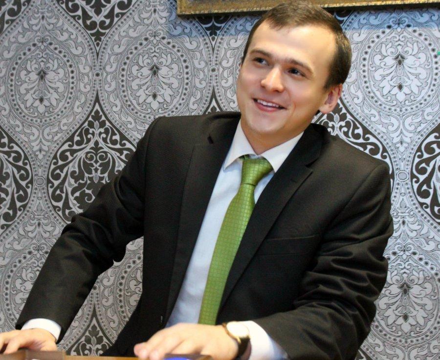 Депутатов обязали уведомлять обуличных встречах сизбирателями
