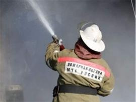 В Климовском районе тушили горящую баню