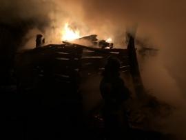 В Фокинском районе Брянска сгорел частный дом