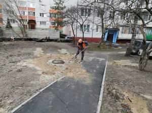 За неделю на переулке Пилотов подсыпали более 35 кубометров песка