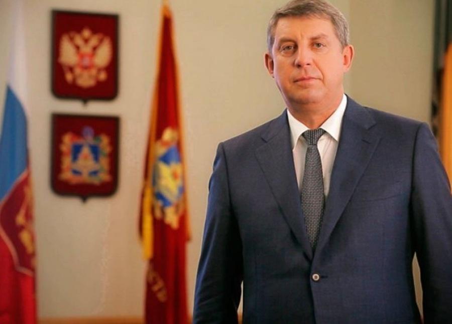 Брянский губернатор поздравил работников радио, телевидения и связи