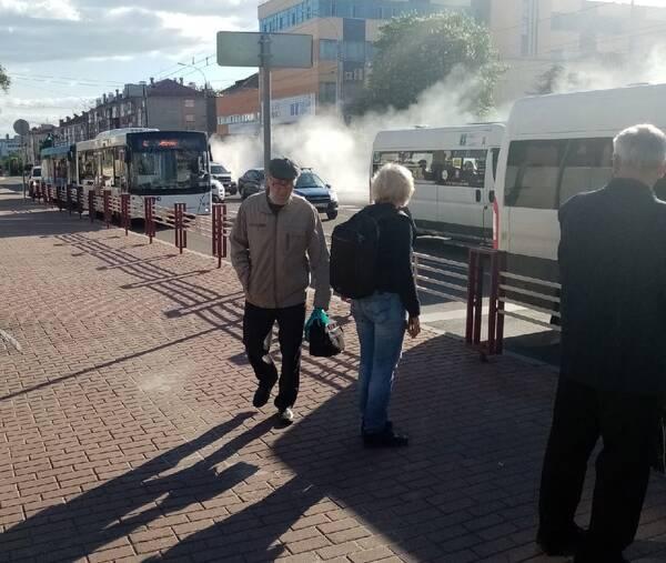 В Брянске горящий грузовик промчался по проспекту Ленина