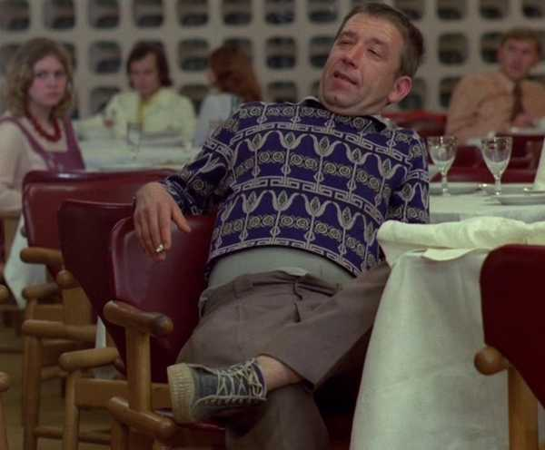 В кафе на Ульянова в Брянске пьяный мужчина устроил дебош