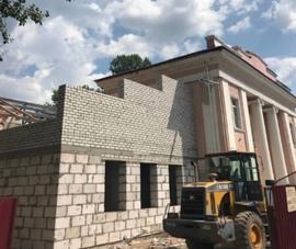 В Брянске реконструкция театра кукол идет с опережением графика