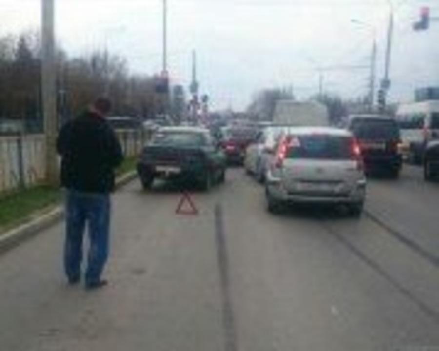 В Брянске ищут очевидцев ДТП возле светофора на Станке Димитрова