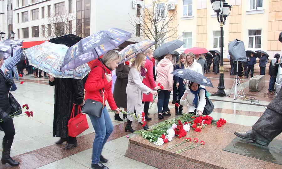 В Брянске прошёл праздничный митинг ко Дню космонавтики