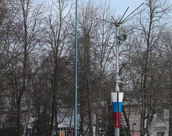 В Брянске на площади у ДК БМЗ установили новые прожекторы