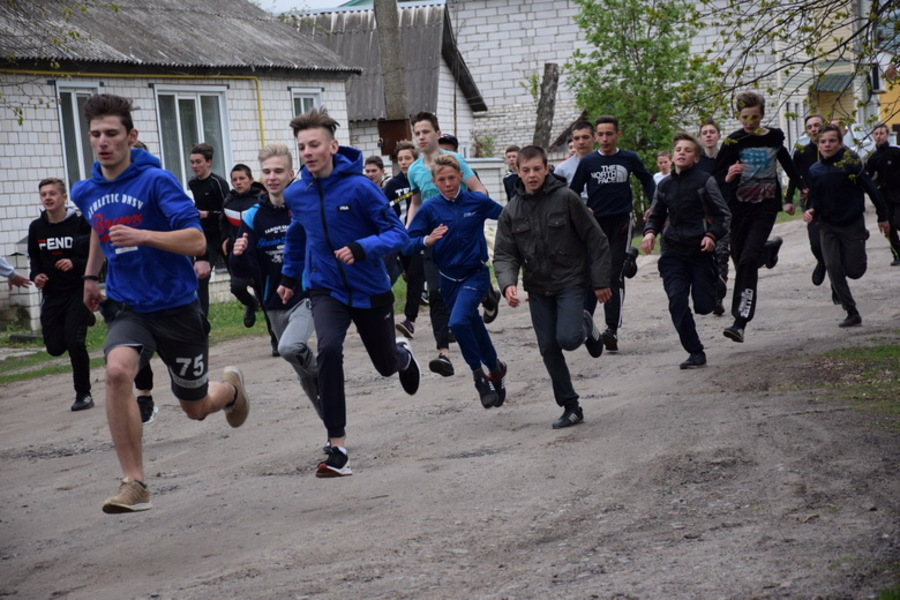 В Климове прошёл легкоатлетический кросс «Это наша Победа»