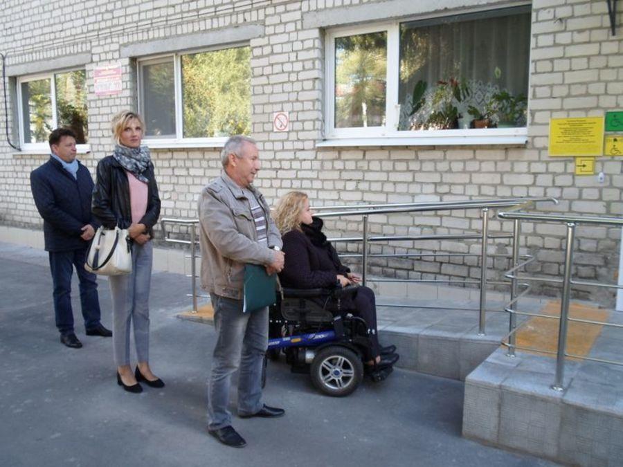 Брянские инвалиды проверили доступность детсадов и школ