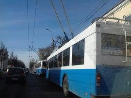 Из-за аварии в районе набережной в Брянске остановились троллейбусы
