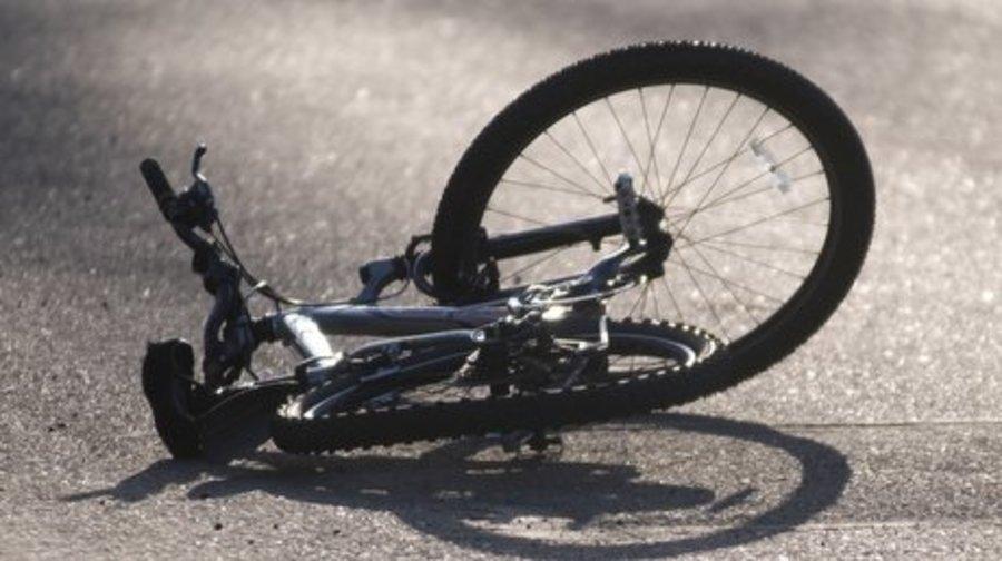 В брянском посёлке водитель «Audi» сломал ногу велосипедисту