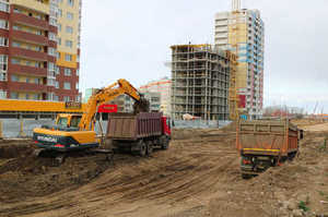 В Брянске продолжается строительство дороги и ливневки на улице Советской