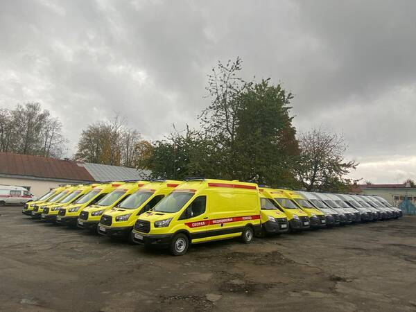 Тридцать две машины «скорой помощи» получили брянские медики