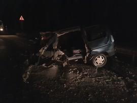 На брянской трассе иномарка влетела в фуру: есть раненый